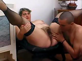 Hung young baldhead stretches the hirsute snatch of his sex frenzied mommy