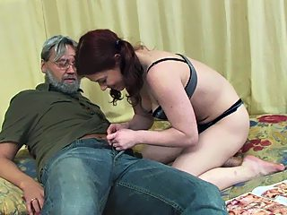 Teen girl with nice bouncy titties does a reverse cowgirl ride on her dad